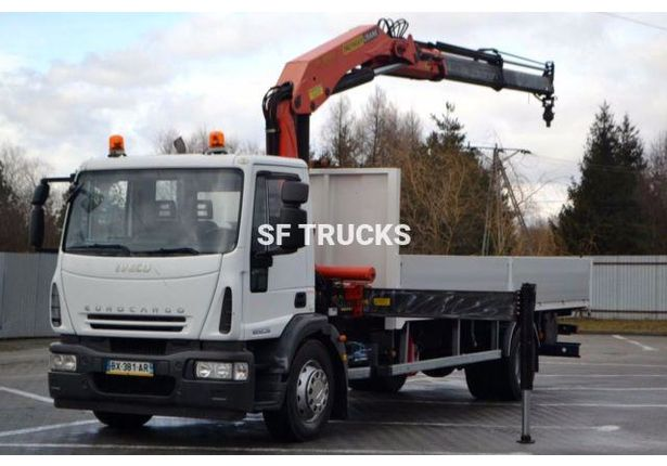 iveco eurocargo camions et porteurs plateau grue. Black Bedroom Furniture Sets. Home Design Ideas