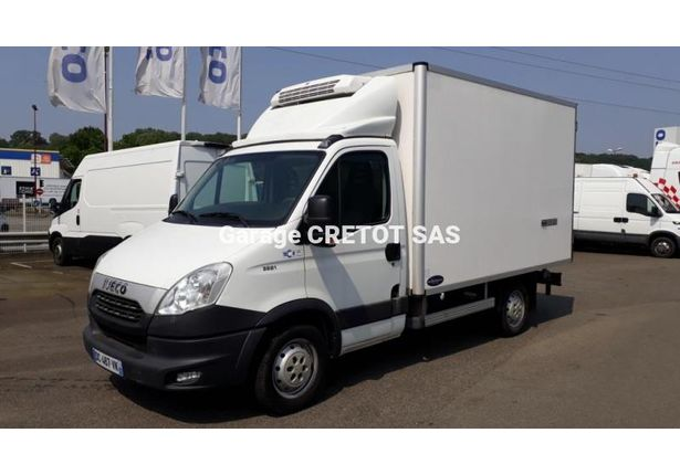 Iveco daily v hicules utilitaires 3 5 t for Garage julien pizancon occasion